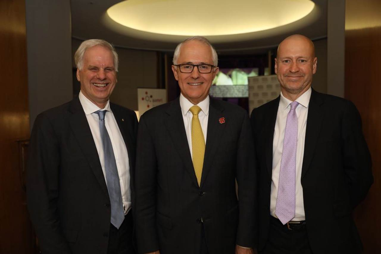 (L-R) New AAMRI President, Professor Tony Cunningham, with Prime Minister Malcom Turnbull and immediate past AAMRI President Professor Doug Hilton.